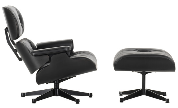 Eames Lounge Chair in Black