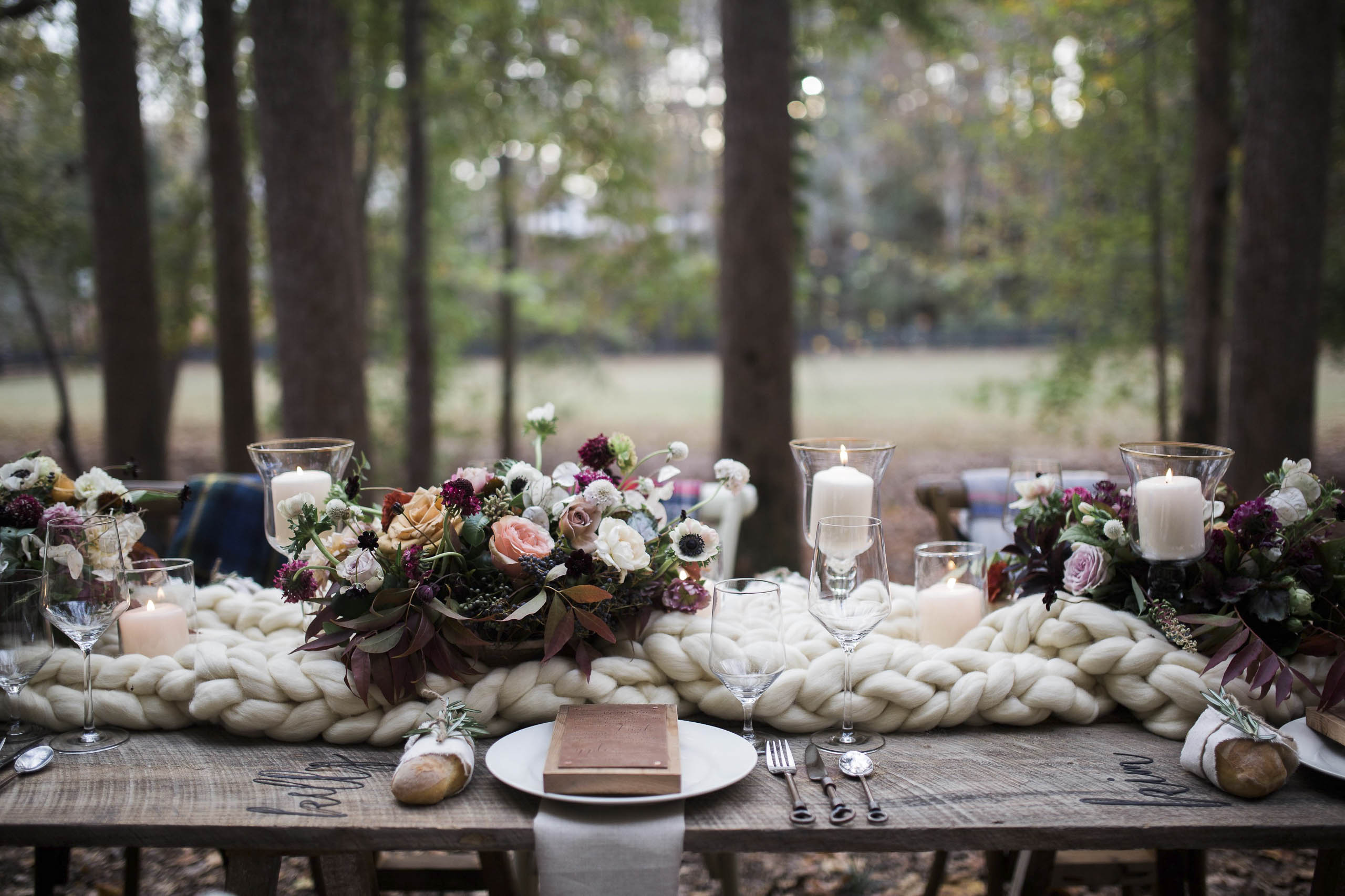 Rustic Elegance – Wood and Leather Menus